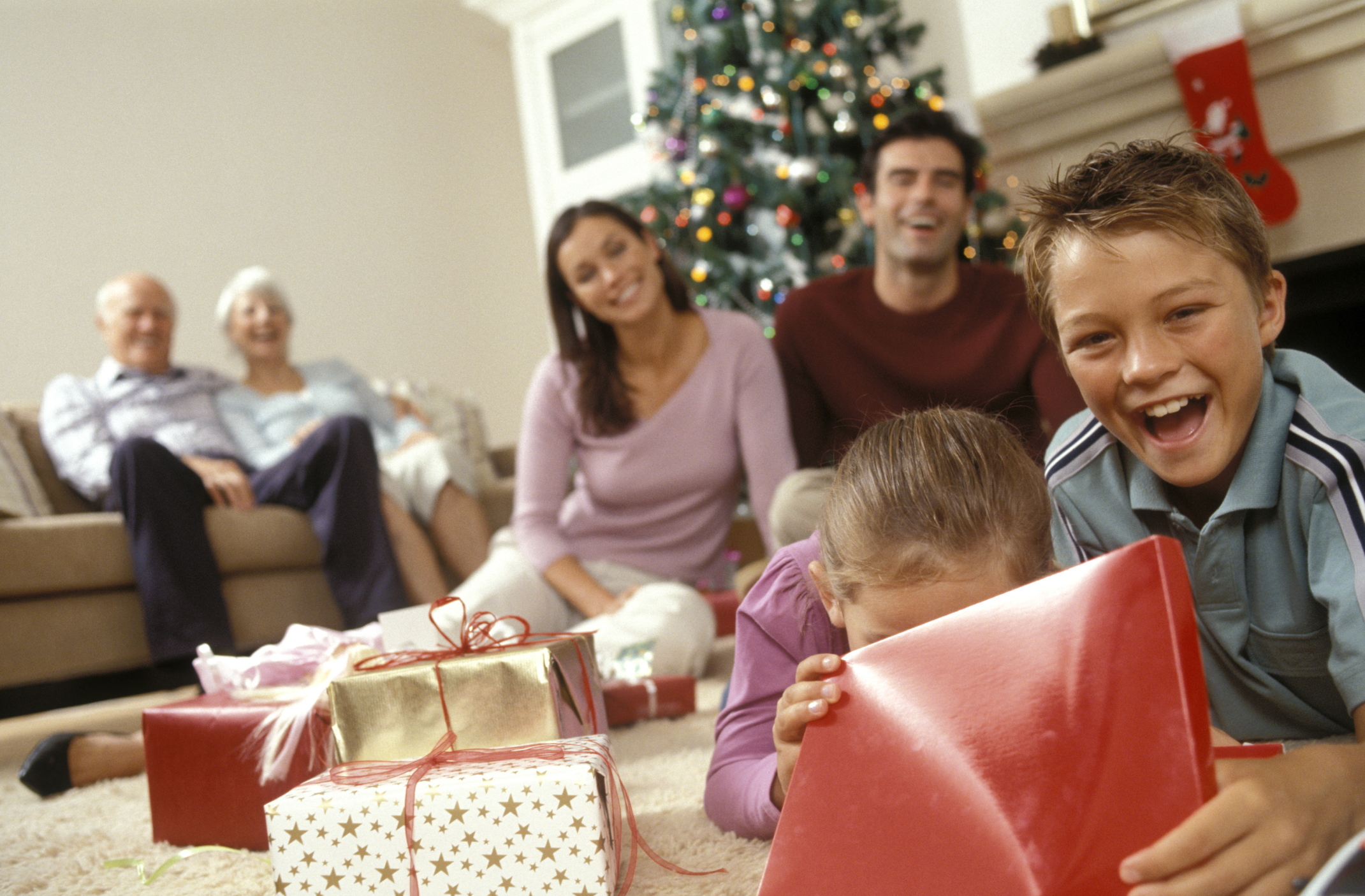 family-opening-gifts